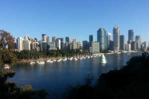 The Brisbane River is so lovely to run round. It was a beautiful day as well with bright blue sky :-)